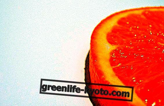 Přírodní doplňky: pomeranč proti kůži pomerančové kůry