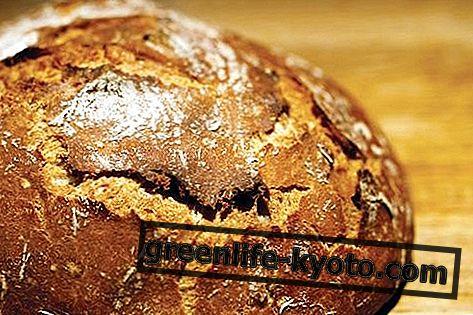 Spelled bread: benefits, nutritional values, recipe