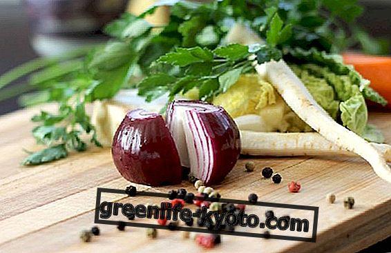 Raudonieji svogūnai vegetariškuose receptuose