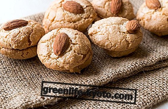 Three recipes with almonds