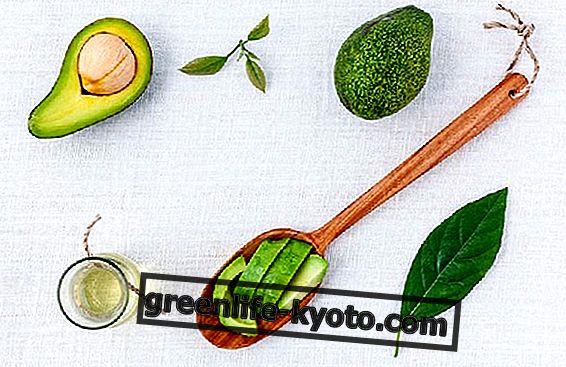 एवोकैडो तेल के लाभ: क्या यह नारियल तेल की तुलना में स्वस्थ है?