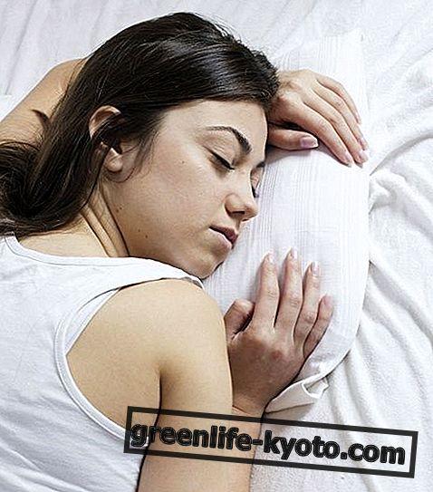 眠気、原因および自然療法