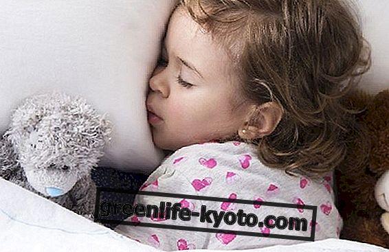 Безсоння у дітей, чи існують ефективні засоби?