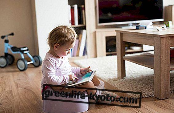 आपके बच्चे के डायपर को निकालने का सबसे अच्छा समय क्या है?