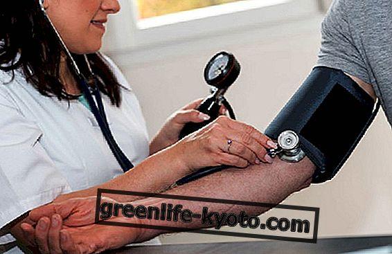 Simptomele tensiunii arteriale scăzute: intervenți cu alimente