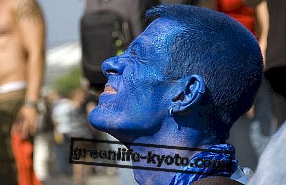 クロモセラピーとチャクラの間で、ブルーの特性は爆発します