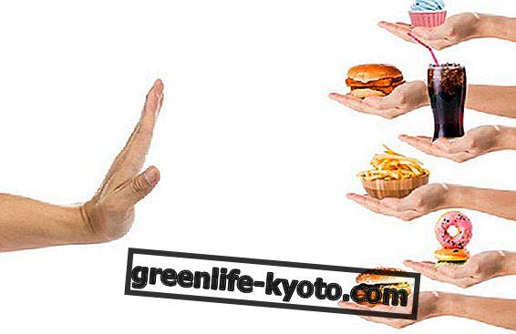 Katera živila se je treba izogniti z gastritisom
