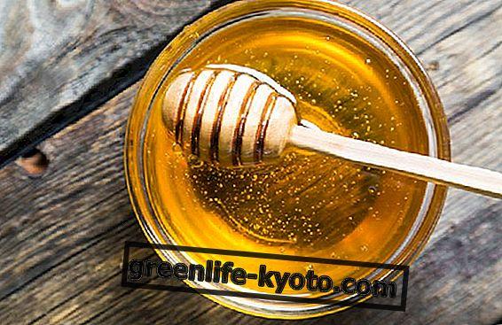 Los usos de la miel para el dolor de garganta.