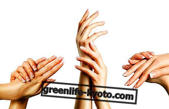 Tinh dầu làm đẹp cho đôi tay