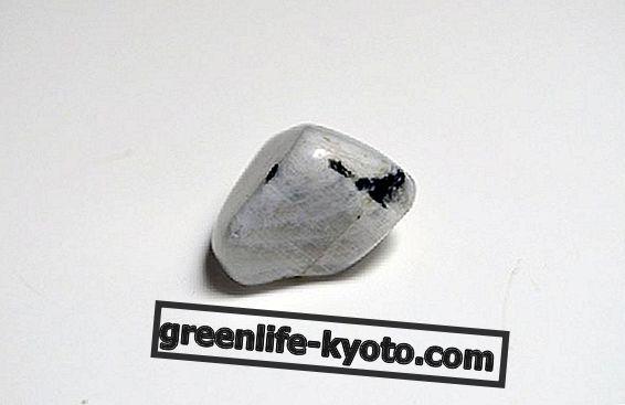 Koristi mesečnega kamna
