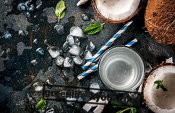 Кокосова вода, ползи за здравето и как да се използва
