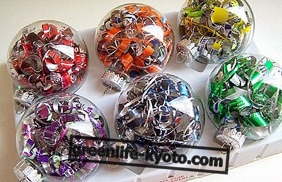 Christmas decorations with recycled material