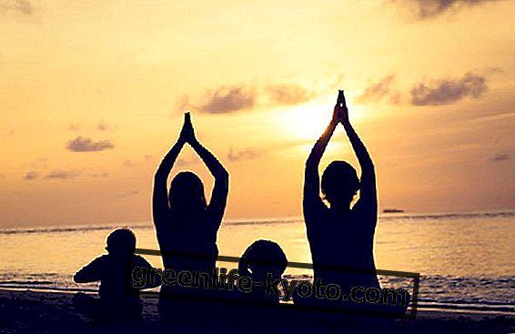Het beoefenen van yoga met kinderen