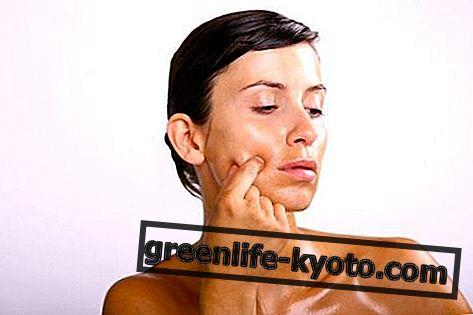 तैलीय और अशुद्ध त्वचा के लिए प्राकृतिक सौंदर्य प्रसाधन