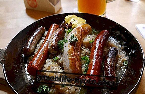 जर्मन व्यंजन: विशेषताएँ और मुख्य खाद्य पदार्थ