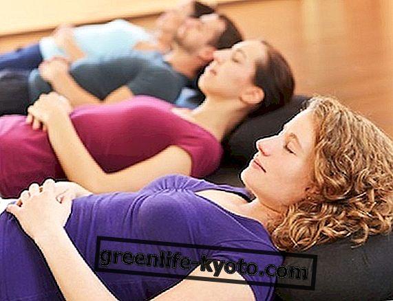 Prueba el yoga contra el intestino irritable.